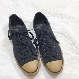Converse black and tan low tops Men(9) Women(11)